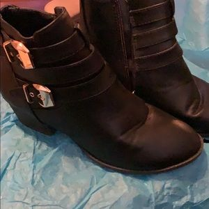 Top Moda ankle black women's boots size 9